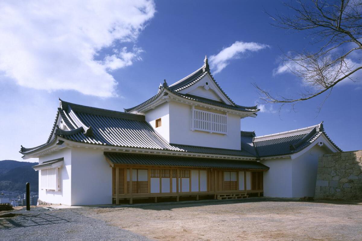 津山城備中櫓 復元建物